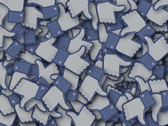 facebook-1084449_640
